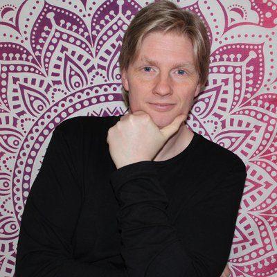 Chris Skoyles writer